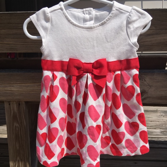 568b715938ef Gymboree Dresses   Baby Girls Heart Dress Sz 1218 M   Poshmark